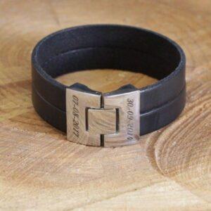 Stoere armband met gegraveerde banden