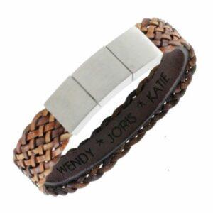 Gevlochten leren armband heren met personalisering