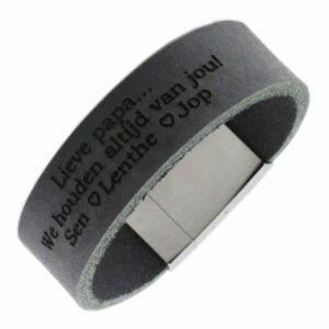 Brede armband met gegraveerde band