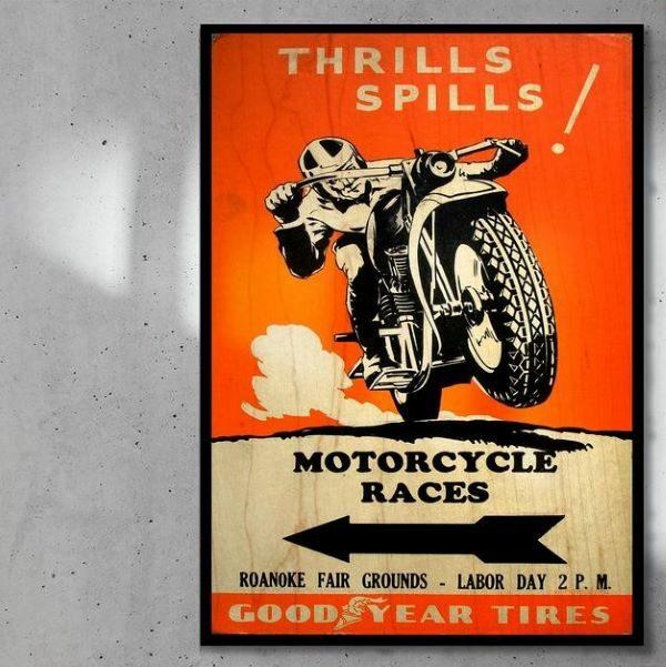 print_op_hout_Motorcycling_ Races_paneel_zwart